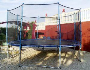 Elemento especial en alquiler. Una cama hinchable perfecta para el disfrute de los niños y no tan niños